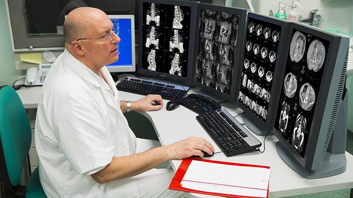 В Пенсильвании в лечебных стационарах используется телемедицина для связи в режиме реального времени между врачами-специалистами для оказания консультативной помощи. Медики используют сервис виртуального посещения больного, открывая доступ родственникам и членам семьи больного сразу после операции.