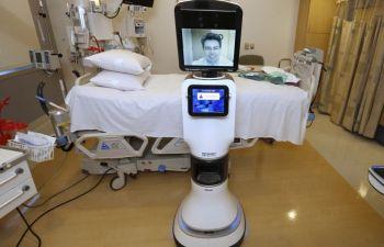 ОАЭ начнет внедрять роботов-врачей