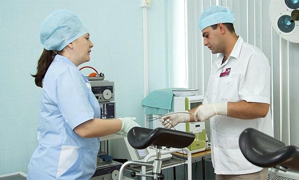 В кабинете проктолога перед операцией