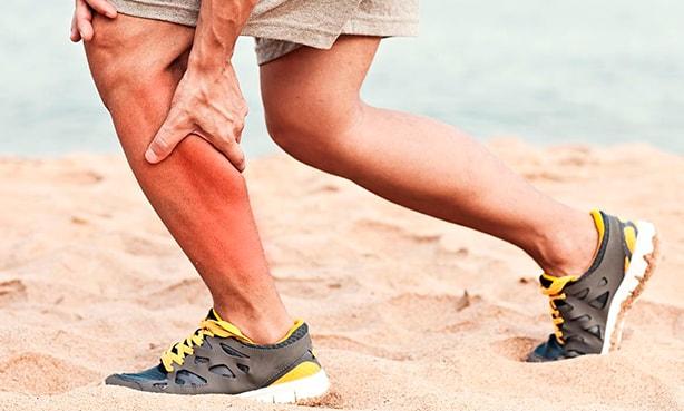 Свело ногу у спортсмена