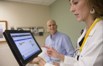 Программа DrDoctor позволяет записаться на прием к врачу быстрее и проще