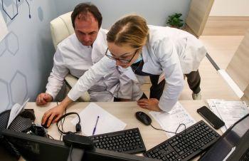 Поликлиники Петербурга начали консультировать пациентов по видеосвязи