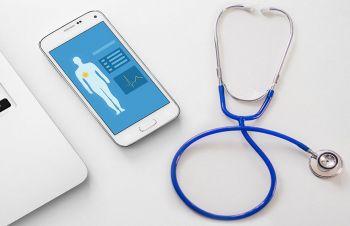 Врачи в Великобритании начинают прописывать пациентам одобренные Минздравом приложения